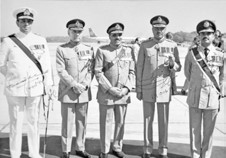Air Chf Mshl Anwar Shamim (1st from right) along with the President of Pakistan (centre)and Services Chiefs - FearlessWarriors.PK