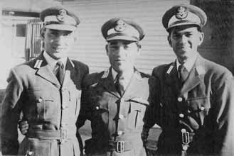 Anwar Shamim (centre) during training at RAAF Academy at Point Cook - FearlessWarriors.PK