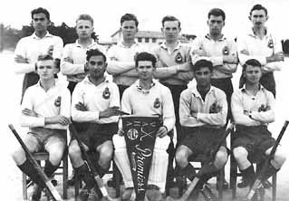 Anwar Shamim (sitting 2nd from right) as member of Academy Hockey team at Point Cook Australia - FearlessWarriors.PK