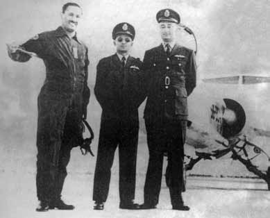 Flt Lt Alauddin Ahmed (centre) and Sqn Ldr Sadruddin (1st from right) along with Air Mshl Asghar Khan at Sargodha - FearlessWarriors.PK