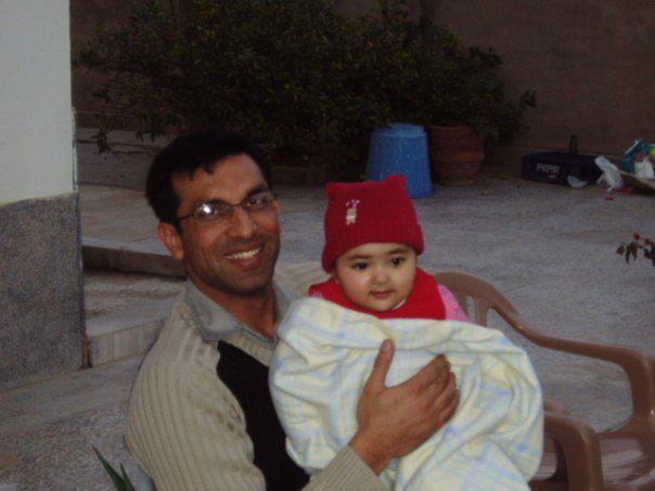 Major Abid Majeed Shaheed with his Little Princess - FearlessWarriors.PK