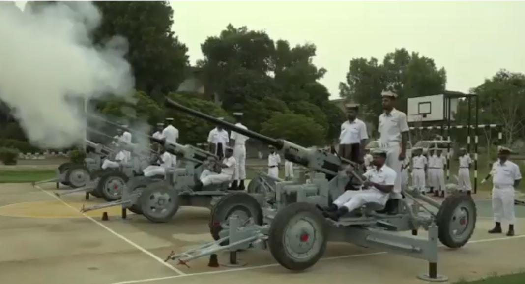 Pakistan Navy celebrates Independence day with 21 gun salute and prayer - FearlessWarriors.PK