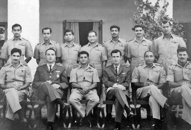 Sqn Ldr Alauddin Ahmed (centre), Sqn Cdr No 18 Sqn, along with fellow pilots at Mauripur - FearlessWarriors.PK
