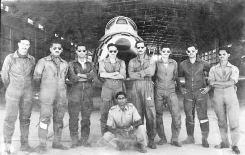 Sqn Ldr Muniruddin (2nd from left) and Sqn Ldr Rafiqui (4th from right) at Sargodha - FearlessWarriors.PK