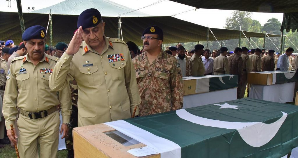 Namaze-Janaza-of-Soldiers-who-lost-life-in-bus-accident-at-Babusar-Top-was-offered-at-Chaklala-Garrison-FearlessWarriors.PK_