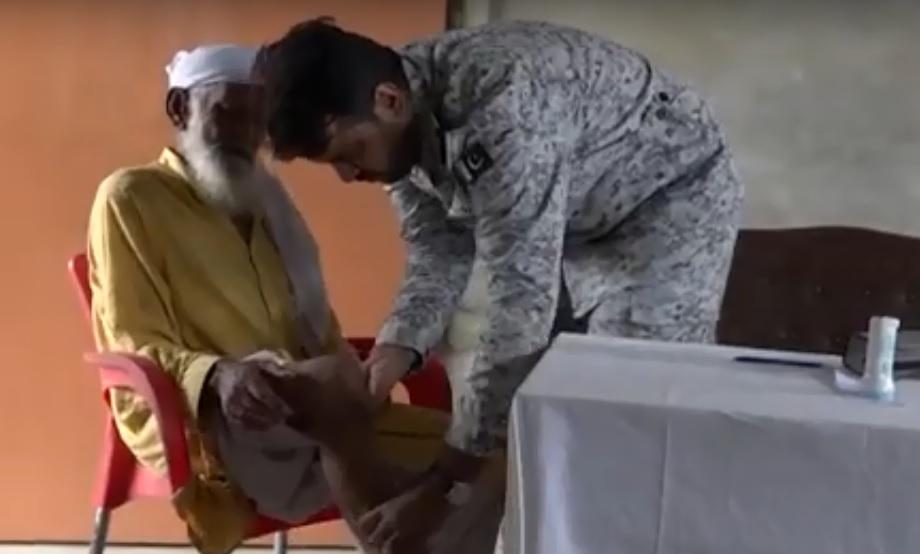 Pak Navy established Free Medical Camp at Baba Island Karachi