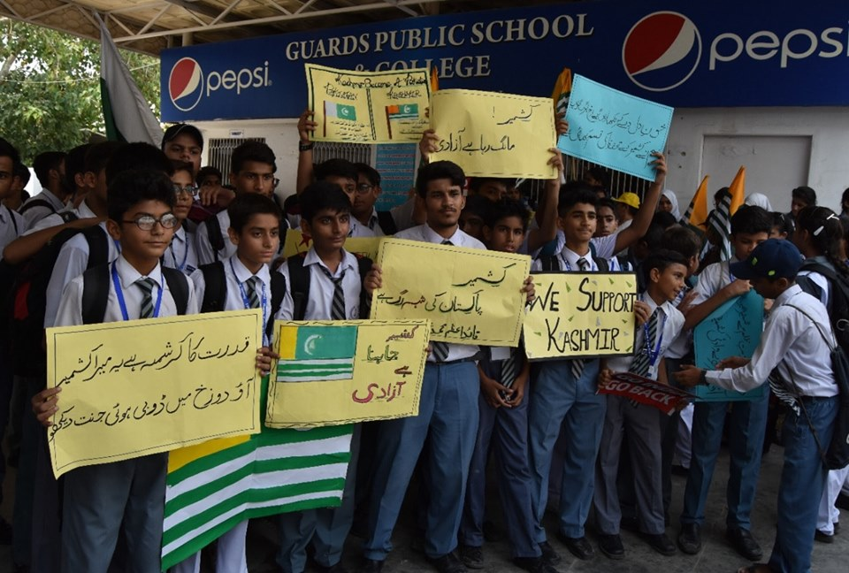 Sep 27th 2019 - Students of Guard Public School College expressed solidarity with their Kashmiri children 1 - FearlessWarriors.PK