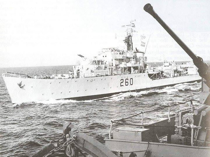 The destroyer PNS Jahangir closes the firgate PNS Tippu Sultan at high speed for transfer of operation orders of'Operation Dawark' during 1965 war. - FearlessWarriors.PK